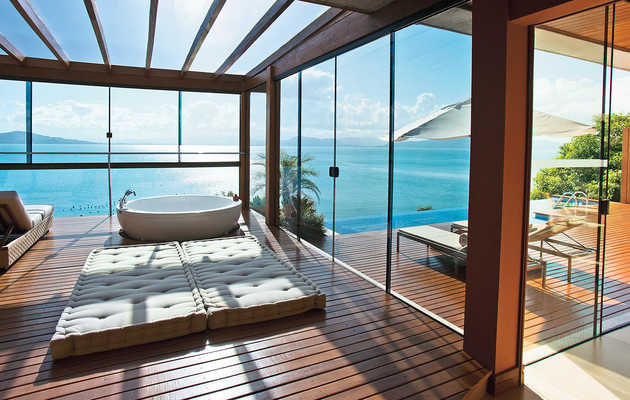 The world's most baller hotel bathrooms