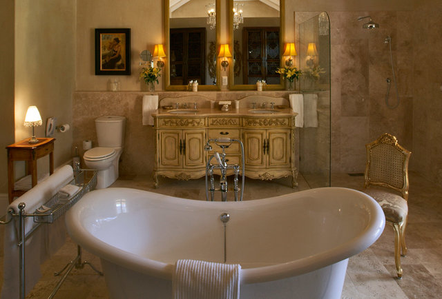 The world\'s most baller hotel bathrooms